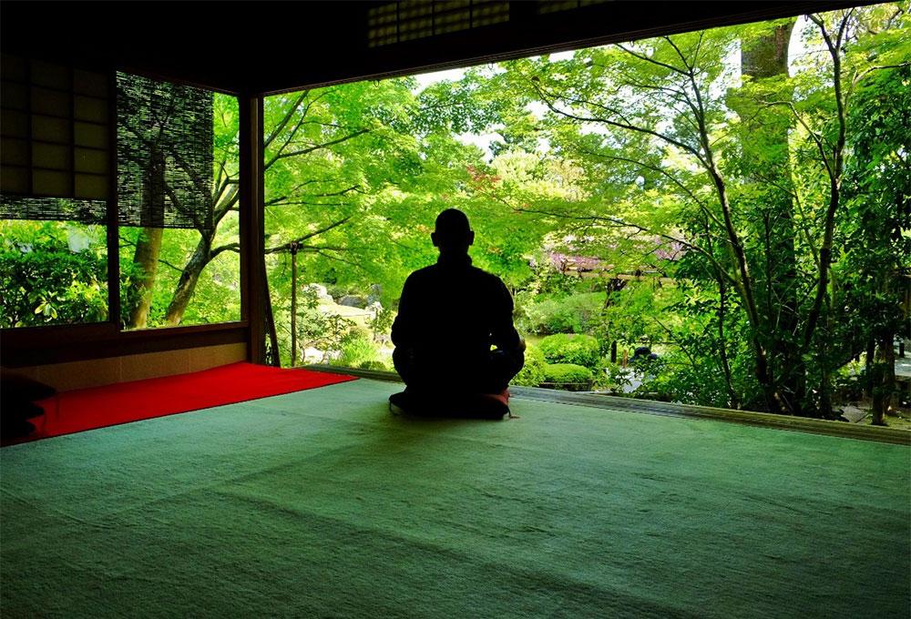 京都の寺から世界的な禅僧とオンライン坐禅体験