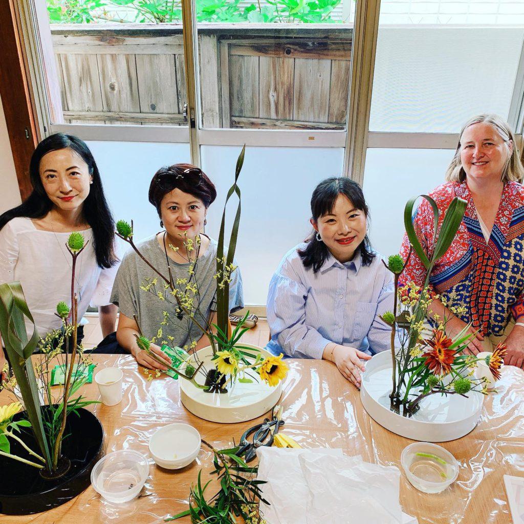 東京で開催された外国人向け華道体験の様子